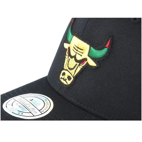 9a921eac25a Chicago Bulls Luxe Black 110 Adjustable - Mitchell   Ness caps -  Hatstorecanada.com