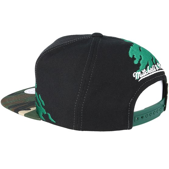 d1a499b13c7 Boston Celtics Hwc Paintbrush Camo Snapback - Mitchell   Ness caps -  Hatstoreaustralia.com