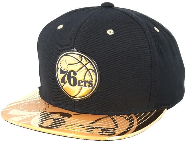 Philadelphia 76ers Gold Standard Black Snapback - Mitchell   Ness Gorra -  Hatstore 887bfc99955