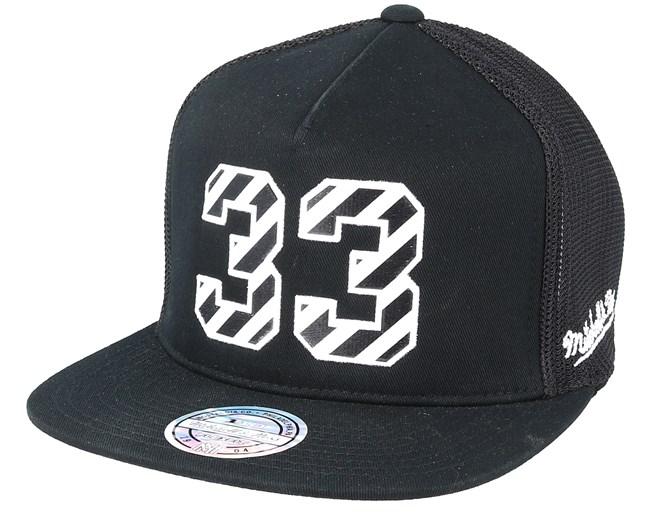 New York Knicks Hwc N N Black 110 Trucker - Mitchell   Ness caps ... 84ec0d33654