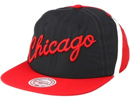 Chicago Bulls Anorak Red Black Snapback - Mitchell   Ness 0e2f513cc1c9