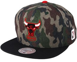 Chicago Bulls Flannel Camo/Black Snapback - Mitchell & Ness
