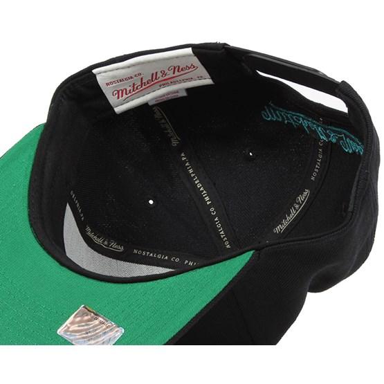 sports shoes 3ab32 1fed4 San Jose Sharks Wool Solid Black Snapback - Mitchell   Ness caps -  Hatstoreworld.com