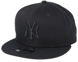 b7c251b8e96 NY Yankees Black Black 9Fifty Snapback - New Era
