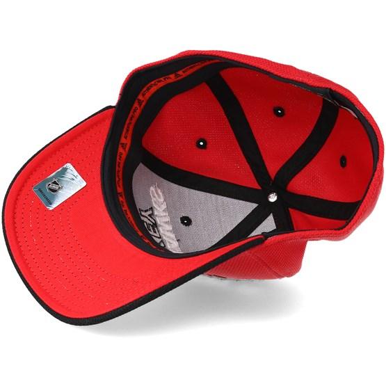 fe2749c31 Chicago Blackhawks Locker Room Structured Red Flexfit - Adidas cap -  Hatstore.co.in