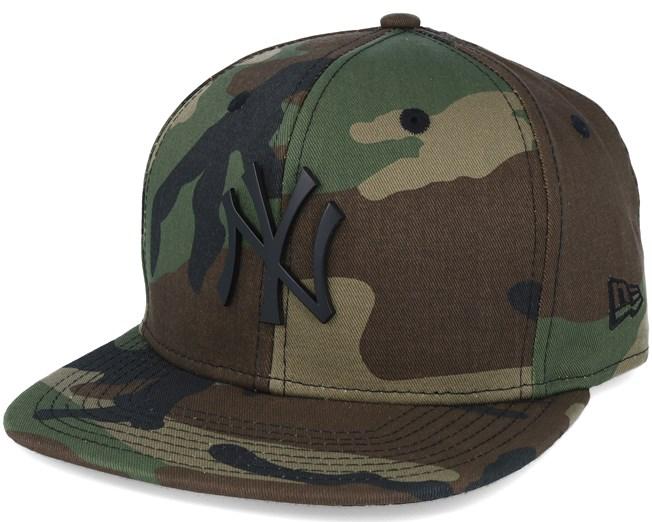 d770b3bab6b New York Yankees MLB Metal Badge Camo 9fifty Snapback - New Era caps ...